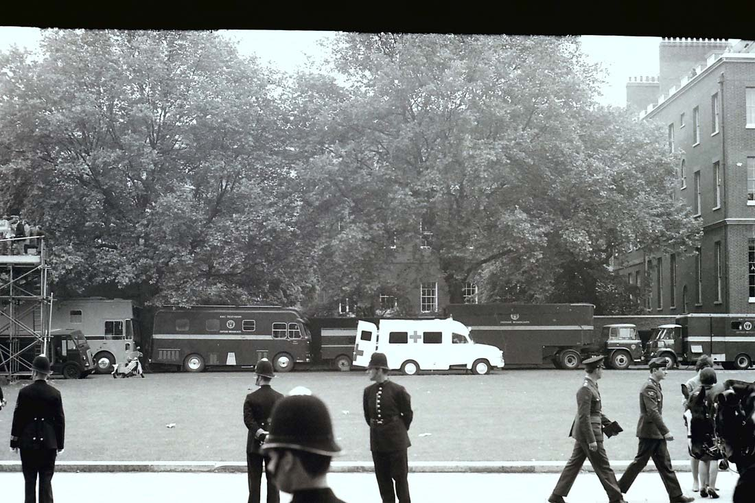 LO1 Type-1 CMCR1 (left) with MCR19 at Trooping the Colour 1967